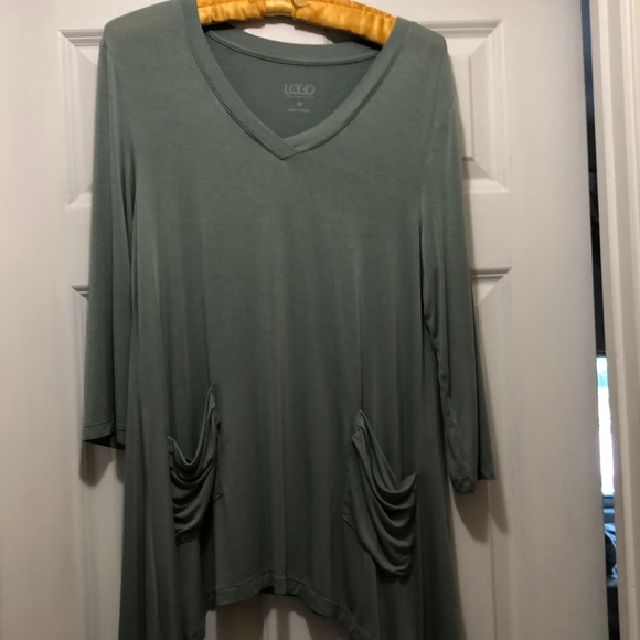 LOGO by Lori Goldstein Tops - Tunic length top with pockets